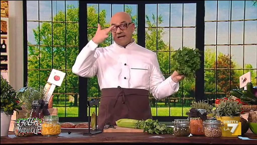 Gas-Tube – Maurizio Crozza chef vegano, gli pseudo tortellini in brodo