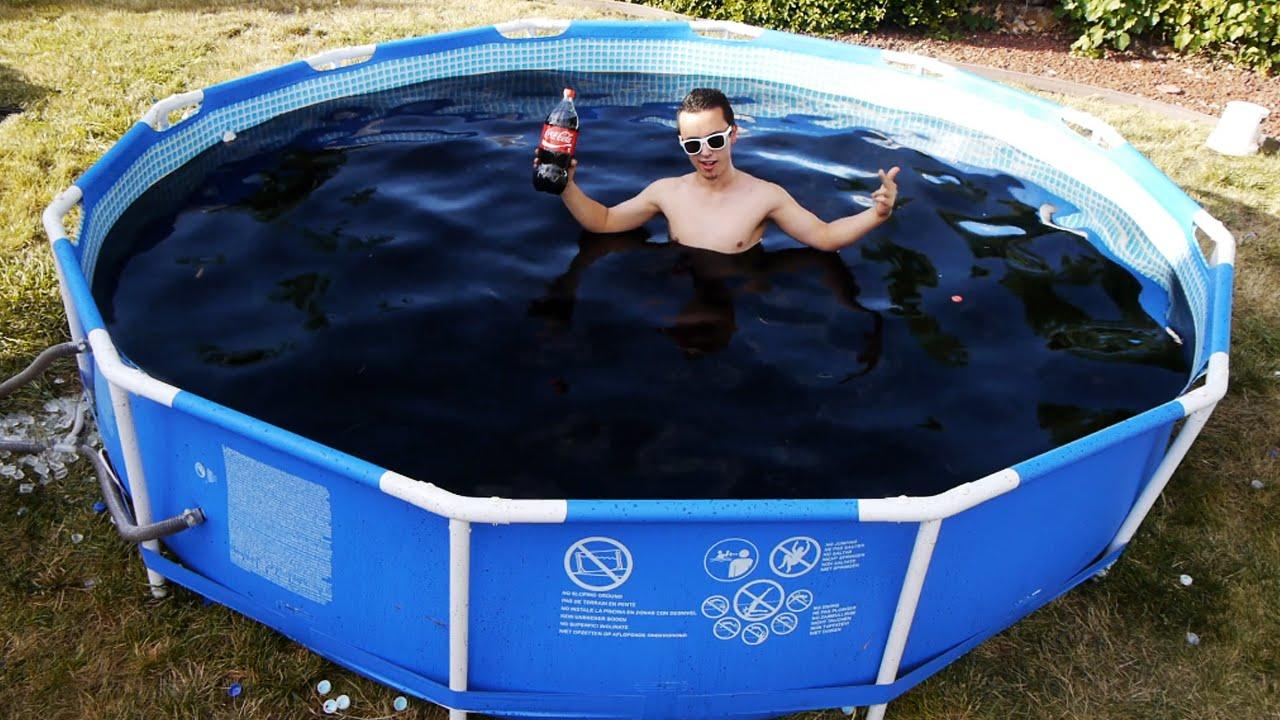 Gas-Tube: Fare il bagno in 1'500 galloni di coca cola. Ah, l'America