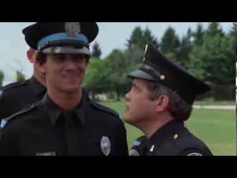 Gas-Tube: Scuola di Polizia, scena del cavallo