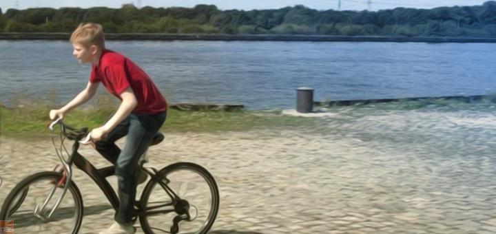 ragazzo bicicletta copia