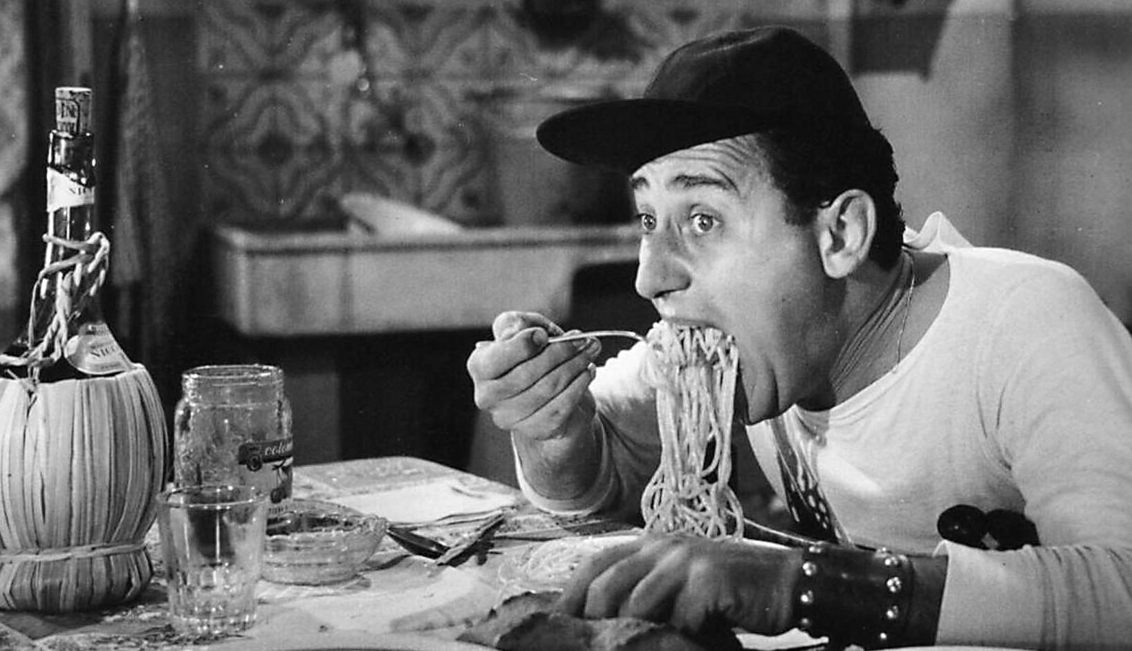 Alberto_Sordi_-_scena_degli_spaghetti_-_Un_americano_a_Roma_28195429