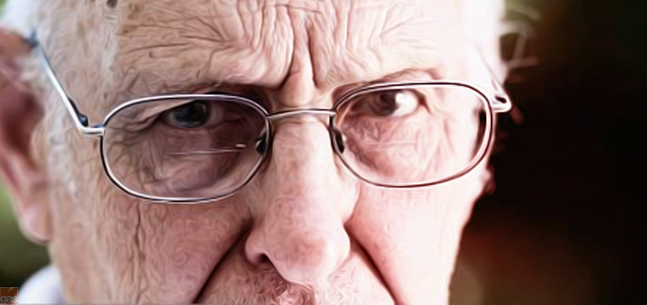 anziano arcigno