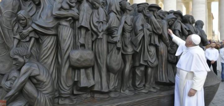 papa monumento migranti