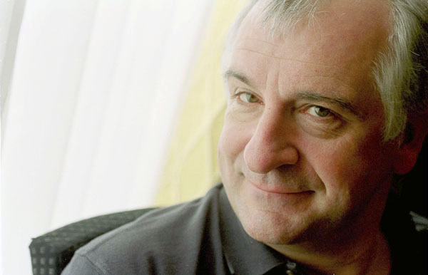 Douglas_adams_portrait
