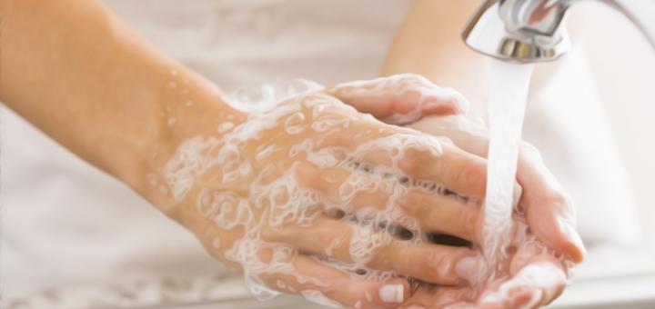 mani lavaggio