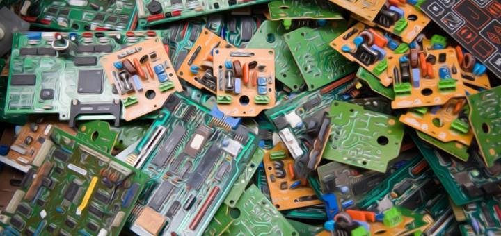 hi-tech spazzatura copia
